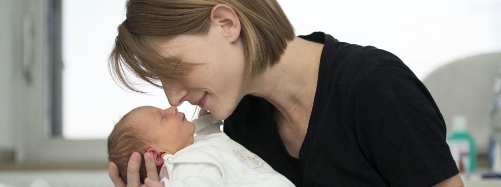 Annabell mit ihrer Mutter., Foto: Klinikum der Universität München