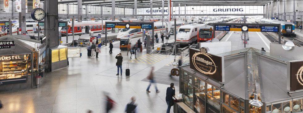 Der Münchner Hauptbahnhof als Szene in der BR-Sendung 24h Bayern, Foto: BR/zero one 24 film GmbH/megaherz gmbh/Gregor Schmidt