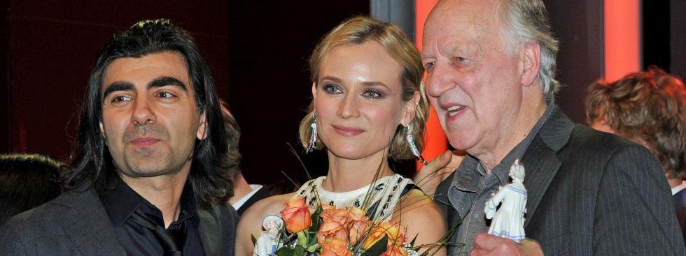 Von links: Regisseur Fatih Akin, Schauspielerin Diane Kruger und Regisseur Werner Herzog am 19.01.2018 nach der Verleihung des Bayerischen Filmpreises im Prinzregententheater, Foto: dpa
