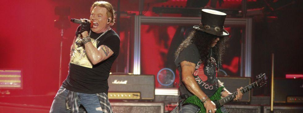 Axl Rose und Gitarrist Slash von Guns N' Roses., Foto: Jack Plunkett/Invision/AP/dpa/Archivbild