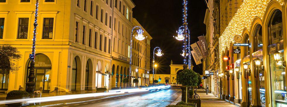 Weihnachtsbeleuchtung in der Brienner Straße, Foto: muenchen.de/Michael Hofmann