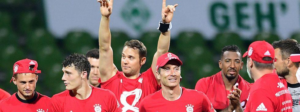 Die Spieler des FC Bayern feiern den achten Meistertitel in Serie, Foto: picture alliance / Witters/gumzmedia/nordphoto