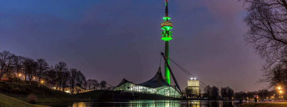 Olympiaturm - Greening zum St. Patrick's Day , Foto: Wolfgang Grösslinger