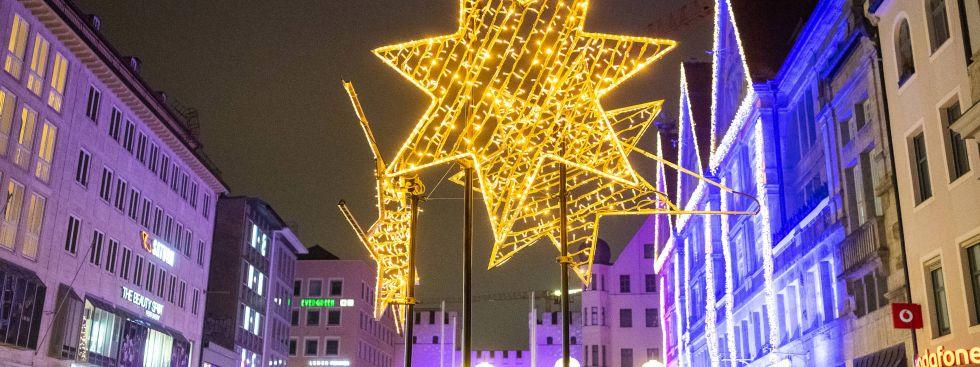Weihnachtliche Lichtspiele in der Innenstadt, Foto: Anette Göttlicher