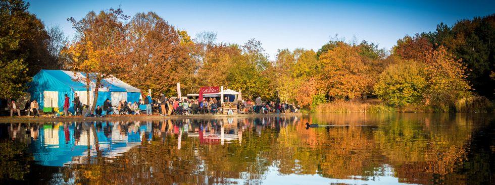 Das Café Gans am Wasser im Herbst, Foto: Gans am Wasser