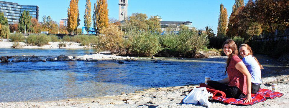 Sonniges Herbstwetter an der Reichenbachbrücke, Foto: muenchen.de/Leonie Liebich