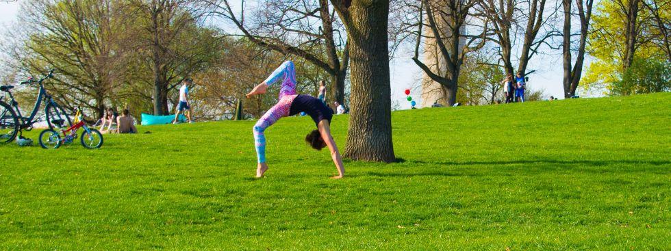 Yoga im Freien für alle, Olympiapark, Foto: Yoga für alle