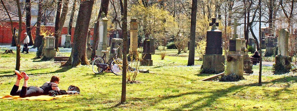 Besondere Orte zum Sonnen in München: Nordfriedhof, Foto: muenchen.de/Leonie Liebich