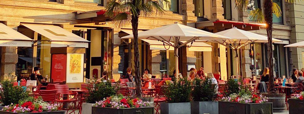 Auch ein paar Cafés machen bei der WirtshausWiesn mit, Foto: Anette Göttlicher