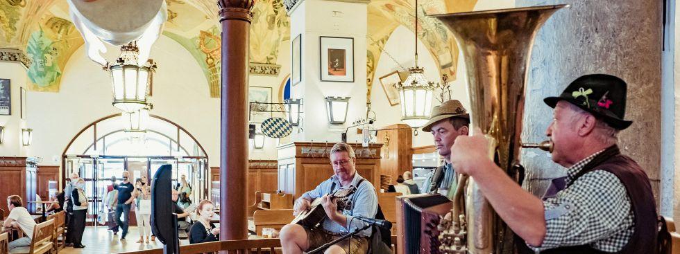 Musik gibt's auch bei der WirtshausWiesn, Foto: Anette Göttlicher