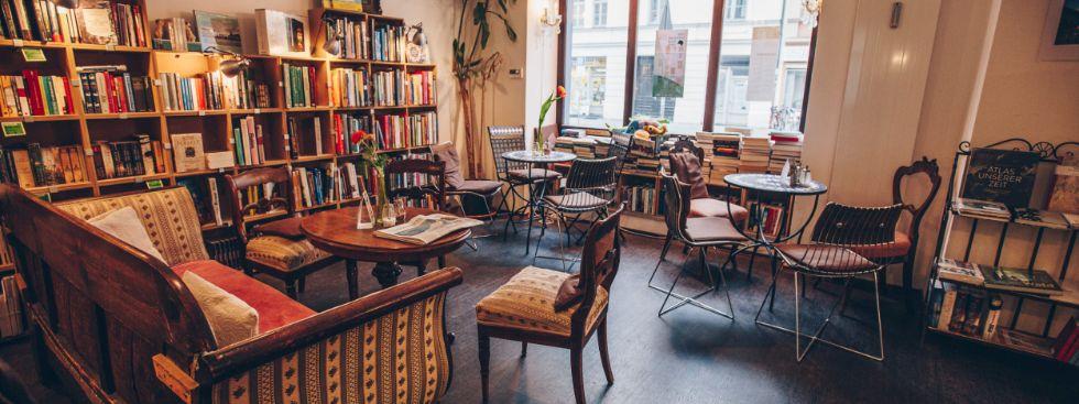 Buch & Bohne: Versinken im Biedermeiersofa, Foto: Buch & Bohne