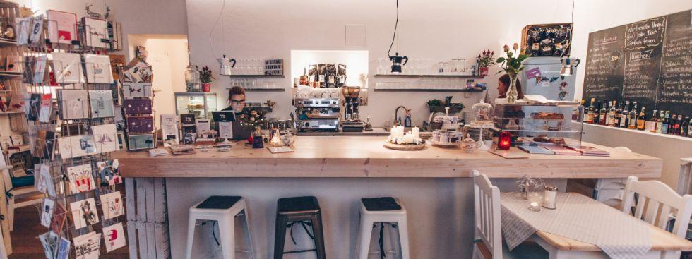 Kitchen2Soul: Franzbrötchen und Ratgeberbücher, Foto: Kitchen2Soul