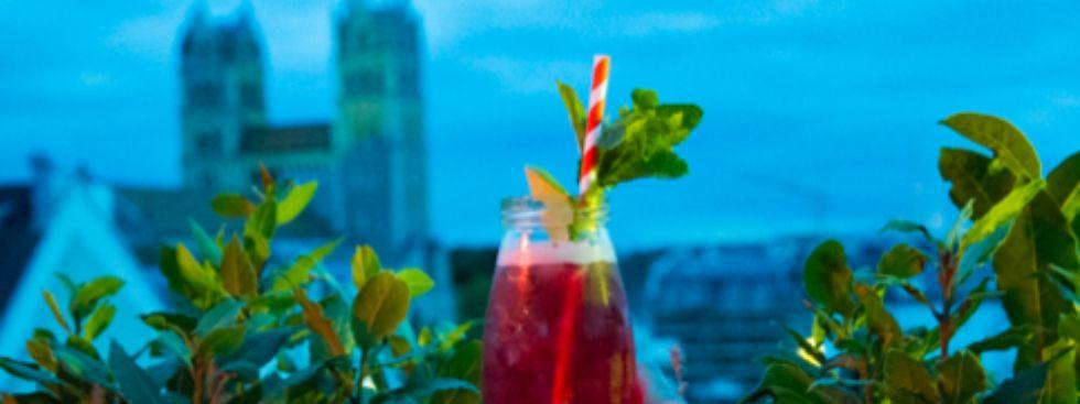 Cocktail trinken im Glockenbachviertel, Foto: Markus Büttner