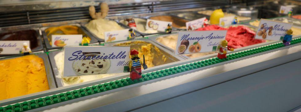 Eistheke bei der UnterhaltungsreederEis, Foto: Marie-Lyce Plaschka