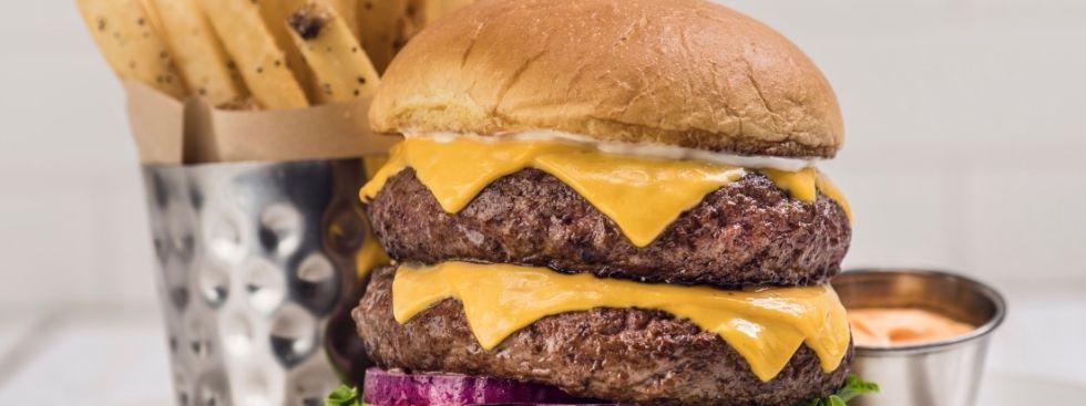 Double Decker Double Burger, Foto: Hard Rock Cafe