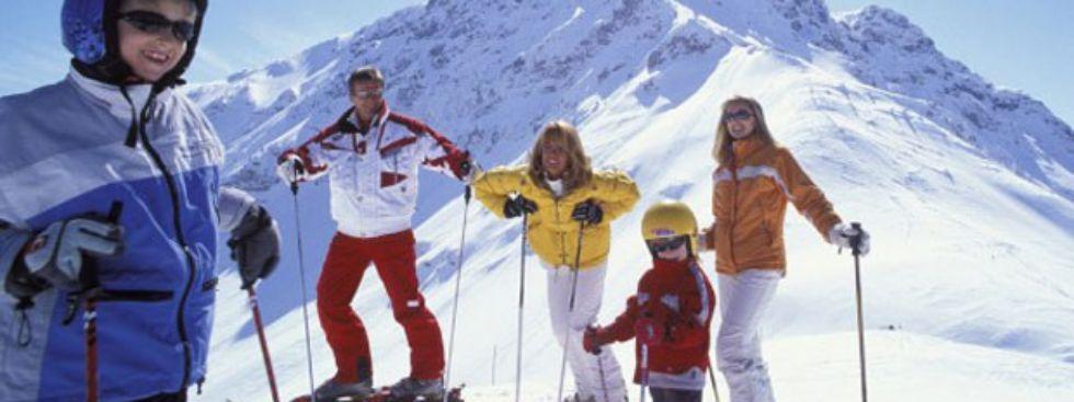 Skifahren in St. Johann., Foto: TVB Kitzbühler Alpen St. Johann in Tirol