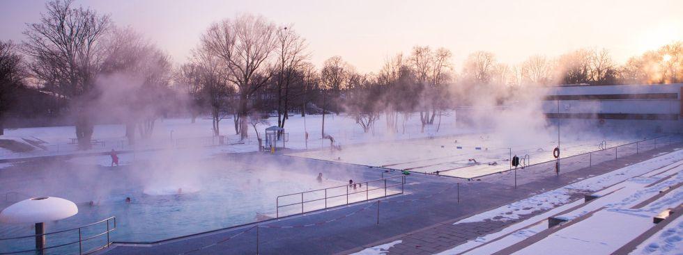 Das Münchner Dantebad im Winter, Foto: SWM/Steffen Leiprecht