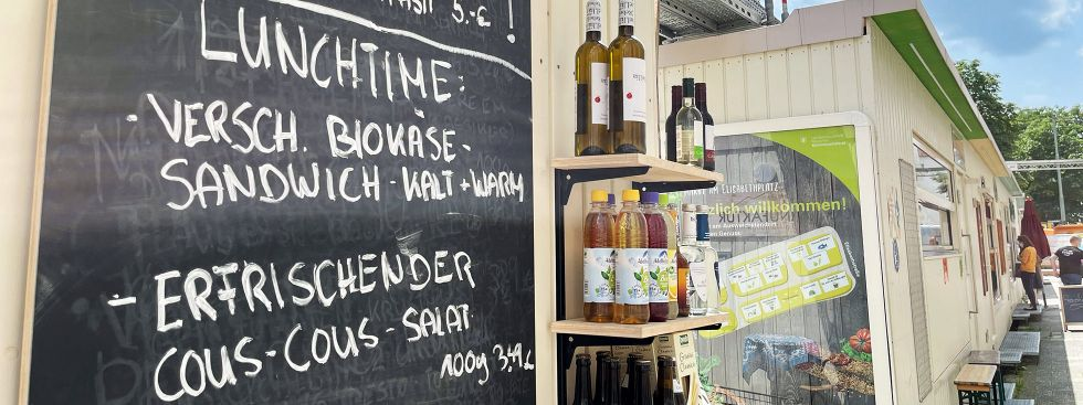 Mittagessen auf dem Elisabethmarkt, Foto: Anette Göttlicher