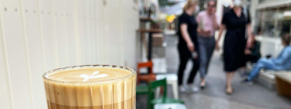 Kaffee vom Standl 20 auf dem Elisabethmarkt, Foto: Anette Göttlicher