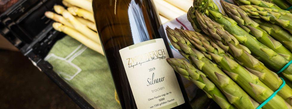 Weißwein zum Spargel, Foto: Anette Göttlicher