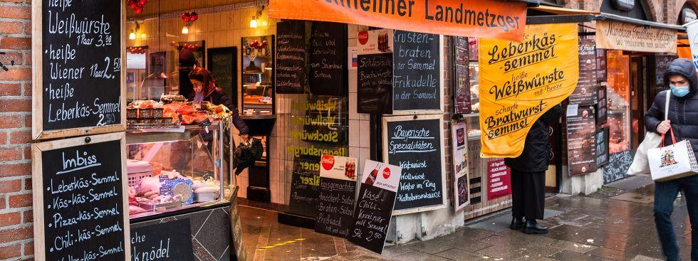 Leberkassemmel zum Mitnehmen: der klassische Viktualienmarkt-Snack, Foto: Anette Göttlicher