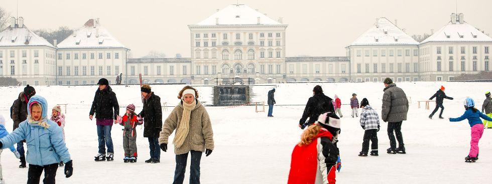 Archivbild: Eislaufen auf dem Schlosskanal