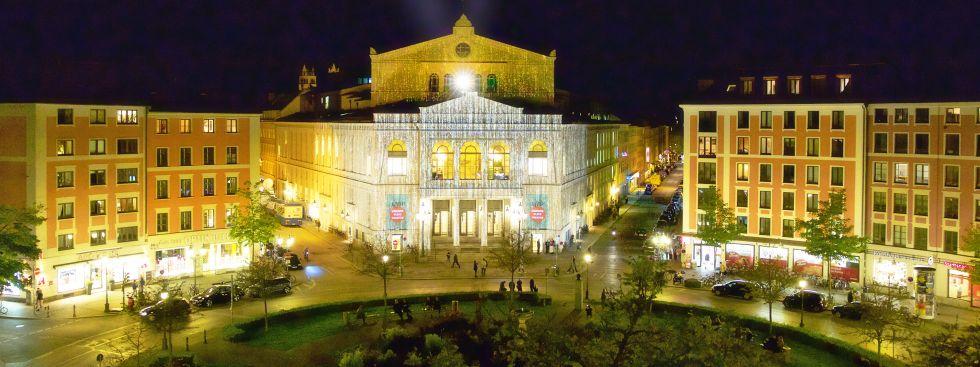Das Gärtnerplatztheater von Außen bei Nacht, Foto: Christian POGO Zach