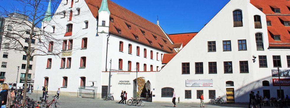 Münchner Stadtmuseum von außen, Foto: muenchen.de/Leonie Liebich