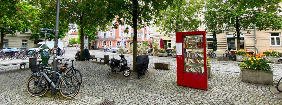 Bücherschrank in Haidhausen, Foto: Anette Göttlicher
