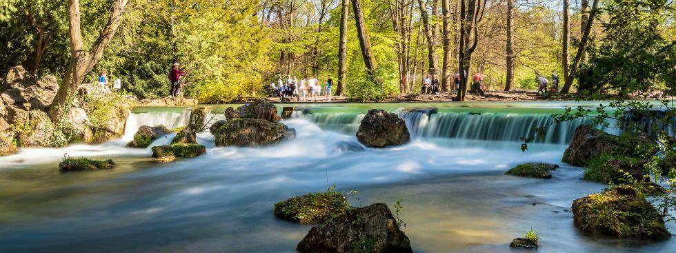 Wasserfall im Englischen Garten, Foto: muenchen.de/ Michael Hofmann