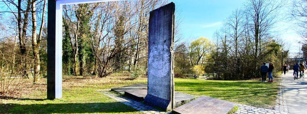 Ein Teil der Berliner Mauer in München, Foto: Anette Göttlicher