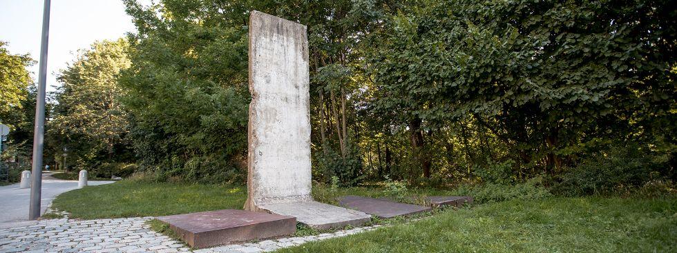 Stück der Berliner Mauer am Englischen Garten in München, Foto: muenchen.de/ Mónica Garduño