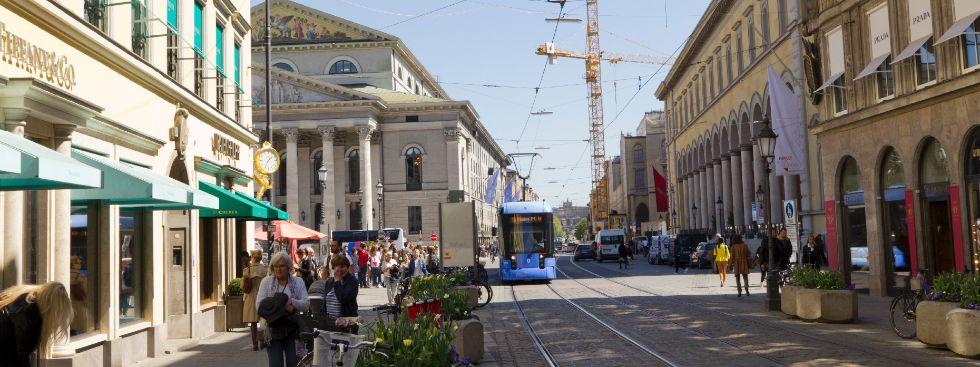 Seightseeing Tram 19 München, Foto: Katy Spichal