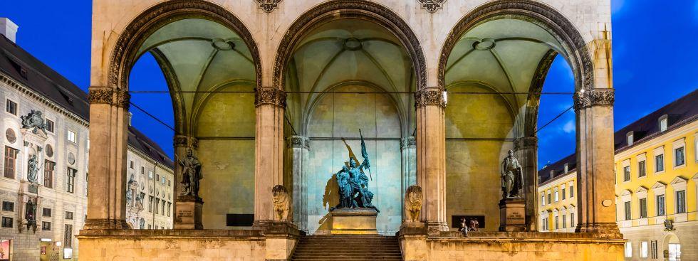Feldherrnhalle Odeonsplatz, Foto: anshar / Shutterstock.com