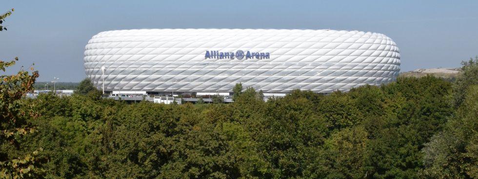 die allianz arena vom frttmaninger berg aus gesehen foto muenchendemark - Allianz Bewerbung
