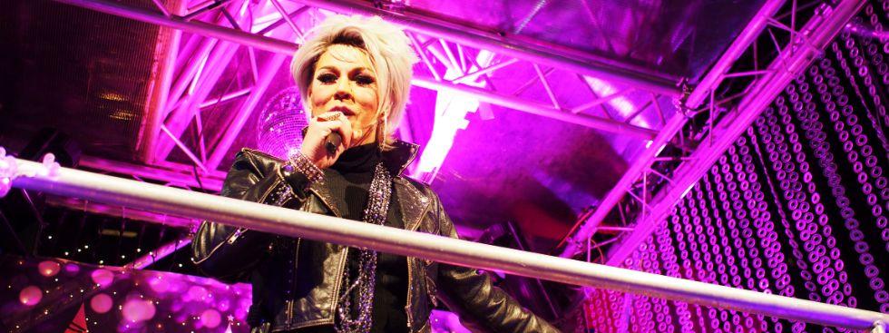 Sängerin auf der Bühne, Foto: Filippo Steven Ferrara