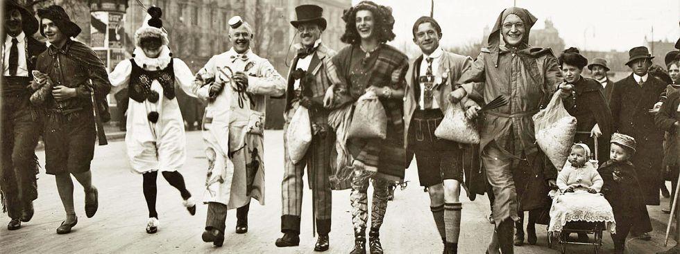 Münchner Faschingsdienstag um 1910, Foto: Münchner Stadtmuseum, Sammlung Fotografie, Archiv Kester