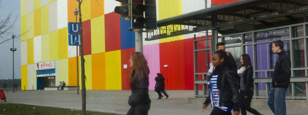 Das MIRA Einkaufszentrum in München Hasenbergl, Foto: Katy Spichal