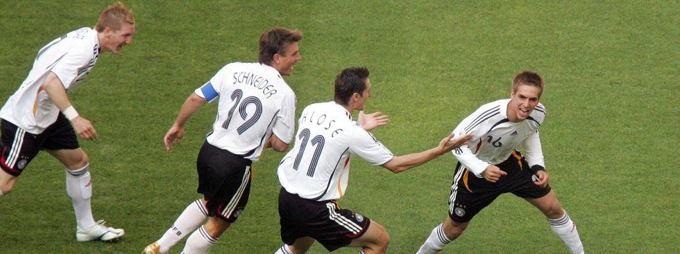 Philipp Lahm erzielte beim WM-Eröffnungsspiel 2006 in München den ersten Treffer beim 4:2 gegen Costa Rica. , Foto: imago images / Pressefoto Baumann
