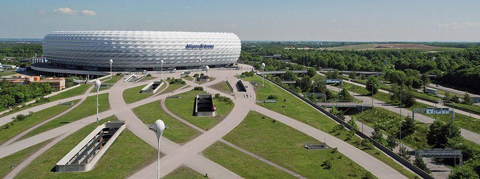 Die Fußball Arena München mit ihrer Esplanade in Fröttmaning, Foto: Allianz Arena/ B. Ducke