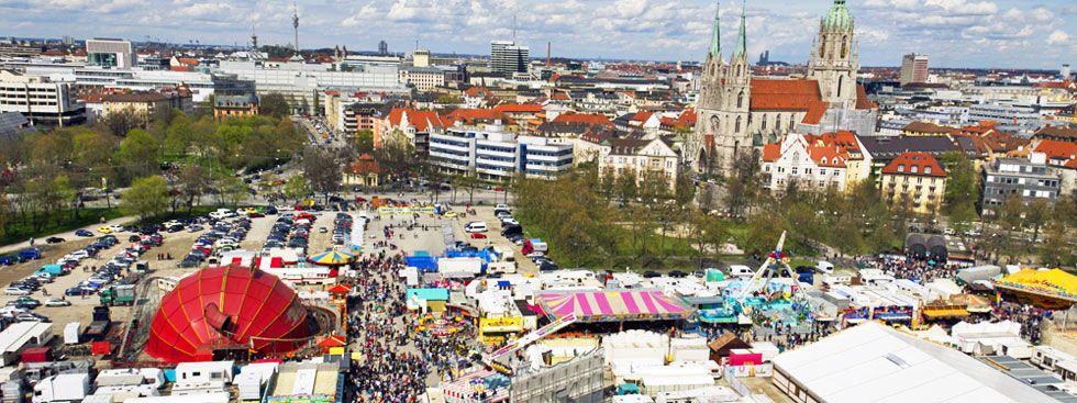 Panorama vom Frühlingsfest auf der Theresienwiese, Foto: muenchen.de