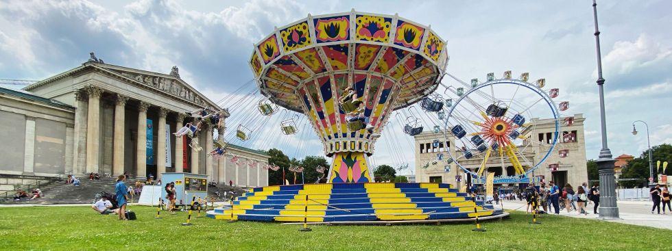 Karussell am Königsplatz, Foto: muenchen.de/Anette Göttlicher