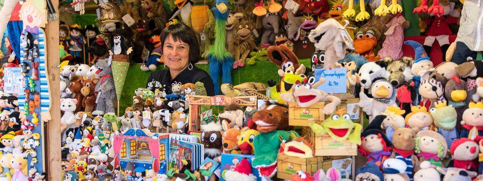 Handpuppen, Fingerpuppen und Marionetten von Anita Schick auf der Auer Dult, Foto: Mario Fichtner
