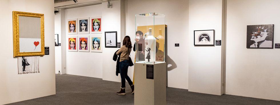 """Love Is In The Bin"" in der Banksy-Ausstellung, Foto: Anette Göttlicher"