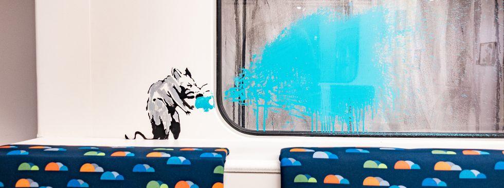 Nachgebauter Londoner U-Bahn-Waggon in der Münchner Banksy-Ausstellung, Foto: Anette Göttlicher