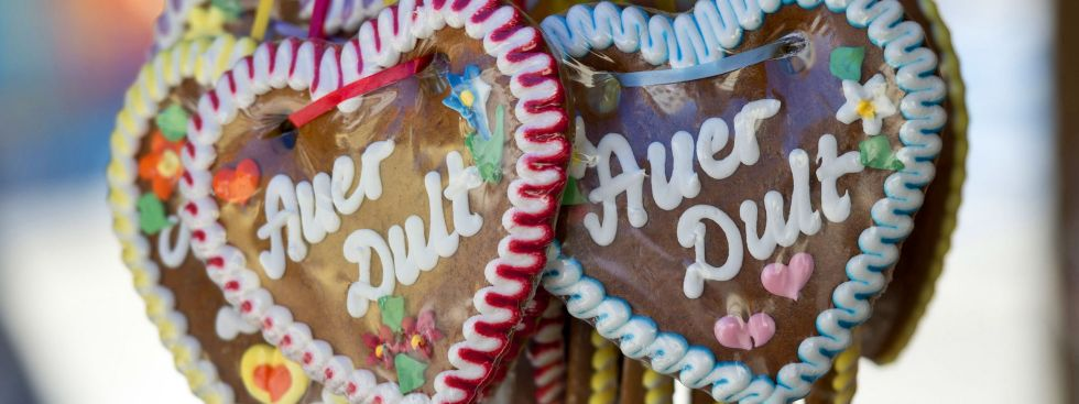 Lebkuchenherzen auf der Auer Dult - Jakobidult, Foto: LHM-RAW/Lukas Barth
