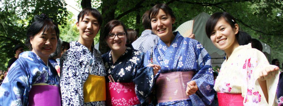 Das Japanfest am Japanischen Teehaus im Englischen Garten in München entführt Besucher in das Land der untergehenden Sonne., Foto: Lolita Büttner
