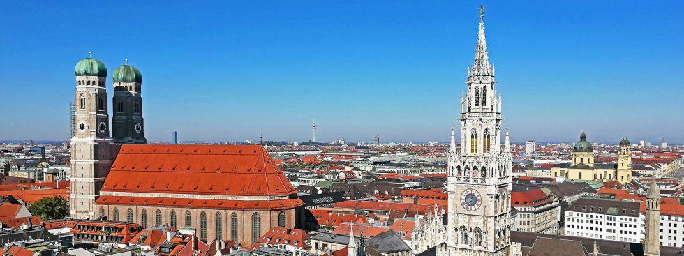 Frauenkirche und das Neue Rathaus, Foto: muenchen.de/Leonie Liebich