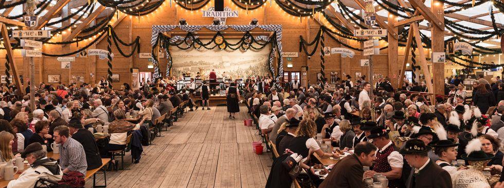 Festzelt Tradition auf der Oidn Wiesn, Foto: muenchen.de/Katy Spichal 2018
