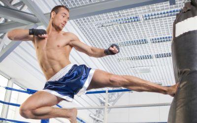 Kickboxer am Sandsack